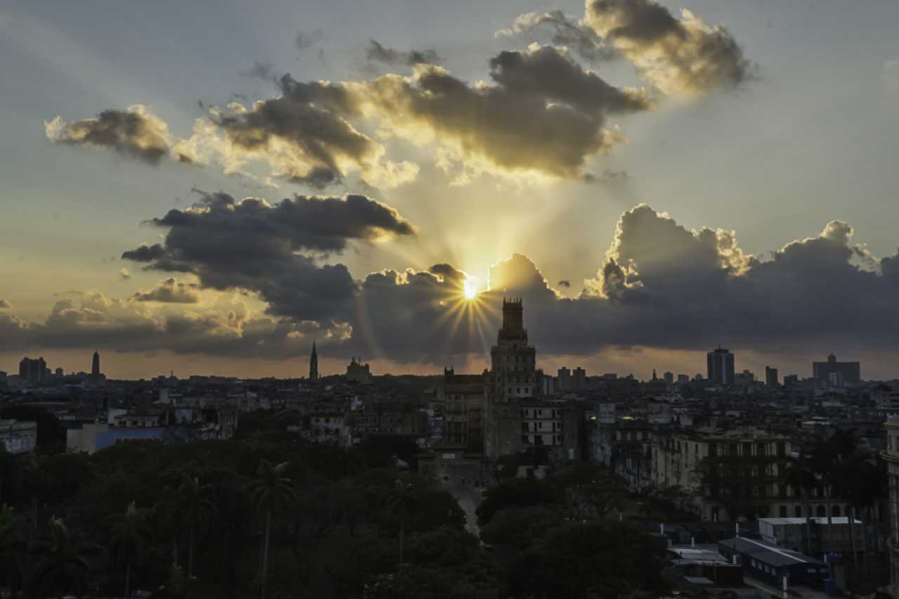 Sandy Stolzman - Havana sunset
